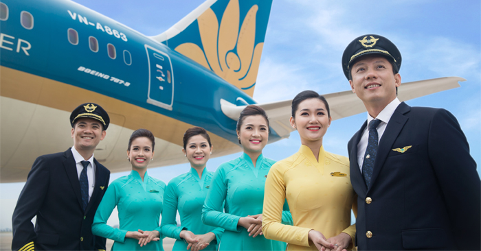 Cac-hanh-khach-tren-chuyen-bay-TRADING-AIRLINES-chu-y-Dung-quen-that-day-an-toan-TraderViet4.