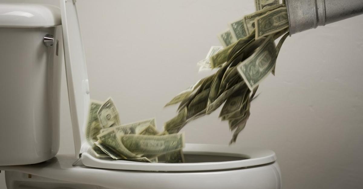 Feed_the_toilet_your_money_comrade_e0cdba_6509065_jpg.
